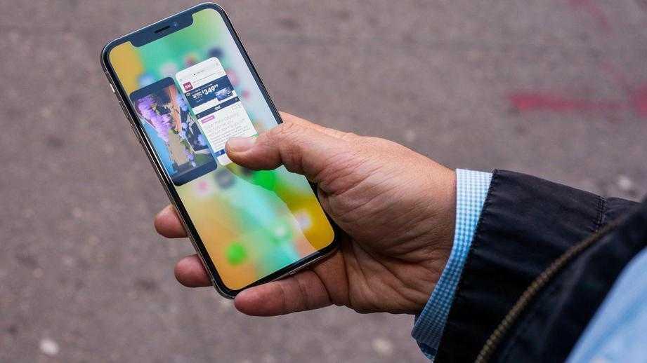Apple: дисплеи новых iPhone X могут выгорать