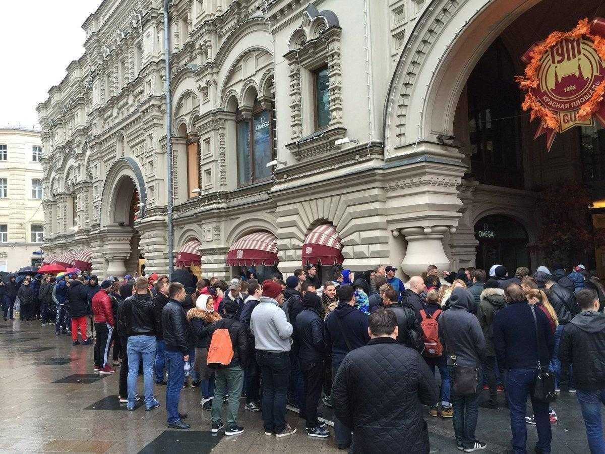 iPhone X начал продаваться в России (1474620600 0)