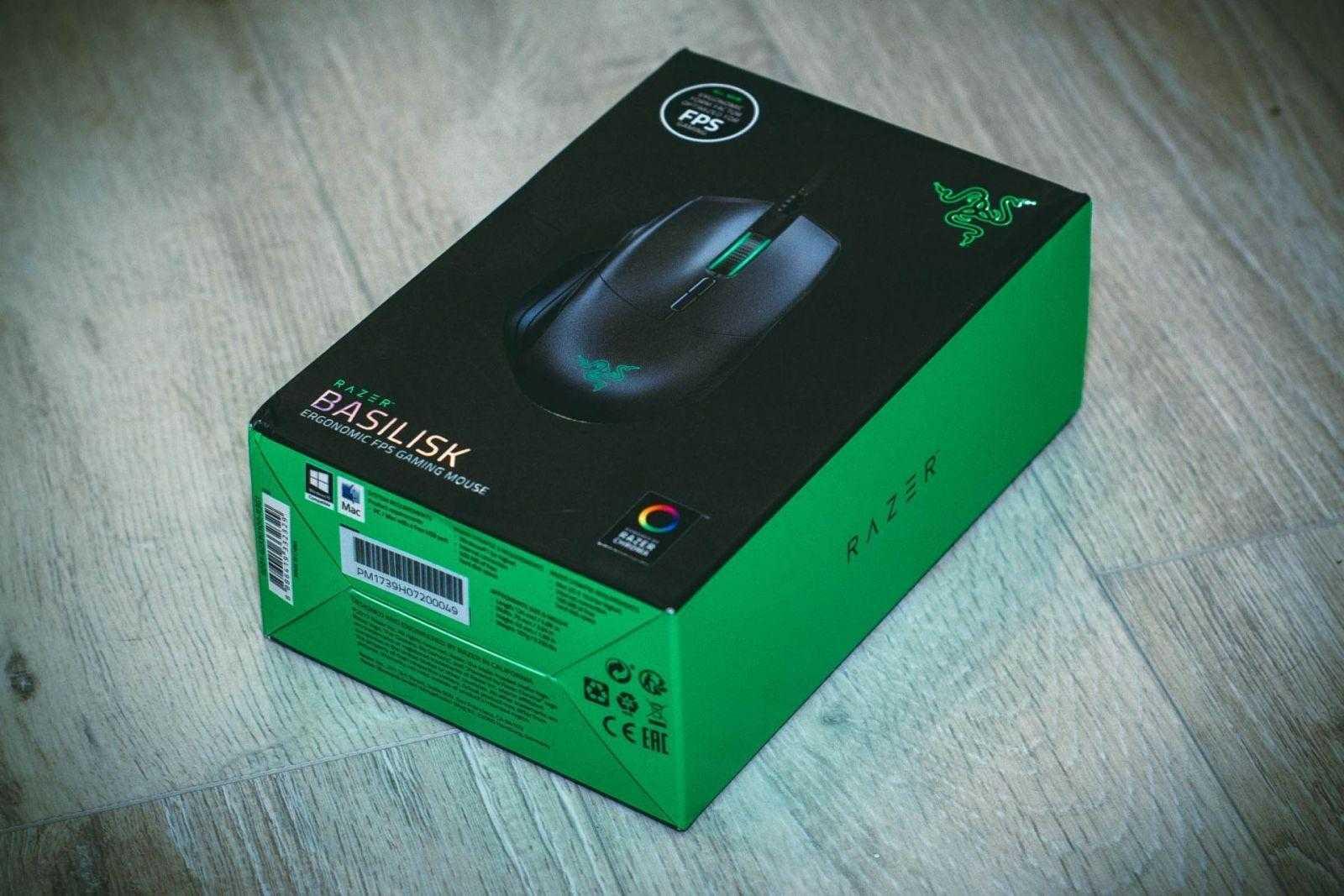 Коробка Razer Basilisk