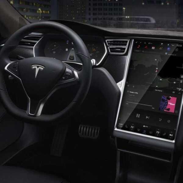 В Tesla добавили новый режим «Chill» Acceleration (hero 01 lhd e1467284962593)
