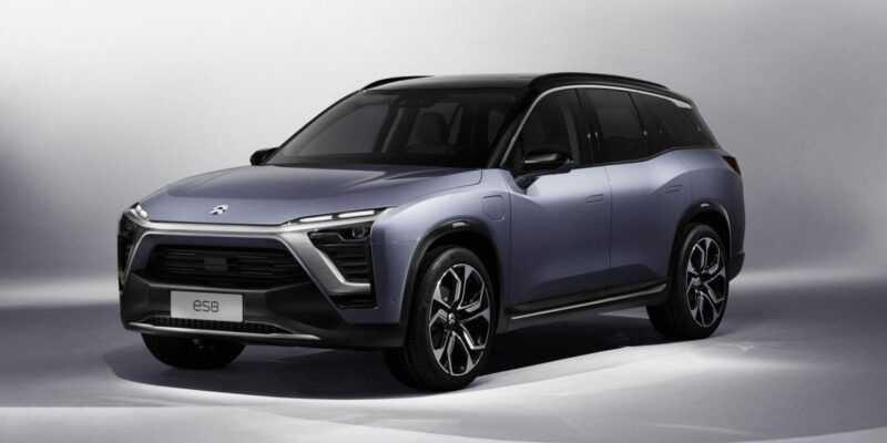 Китайский конкурент Tesla Model X поступил в продажу (G1 935 AT NextEV Teaser Front34 v11a R)