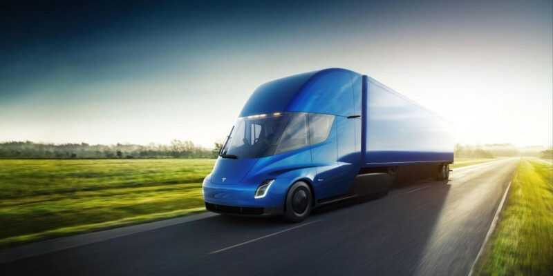 Budweiser сделала крупные заказ на грузовики Tesla Semi (semi front 34 blue)