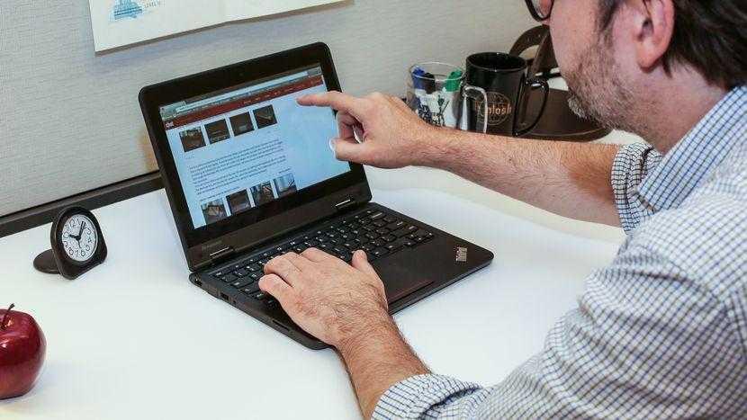 Lenovo сделал ноутбуки для учёбы (lenovo thinkpad yoga 11e chromebook product photos12)