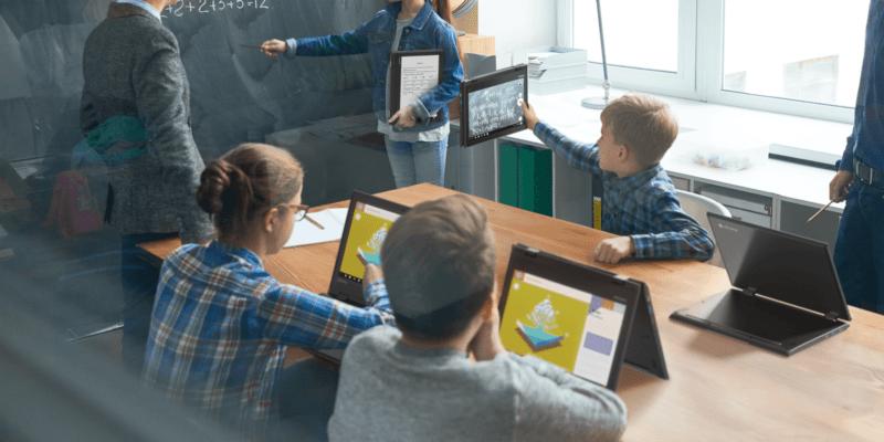 Lenovo сделал ноутбуки для учёбы (lenovo chromebook 500e head)