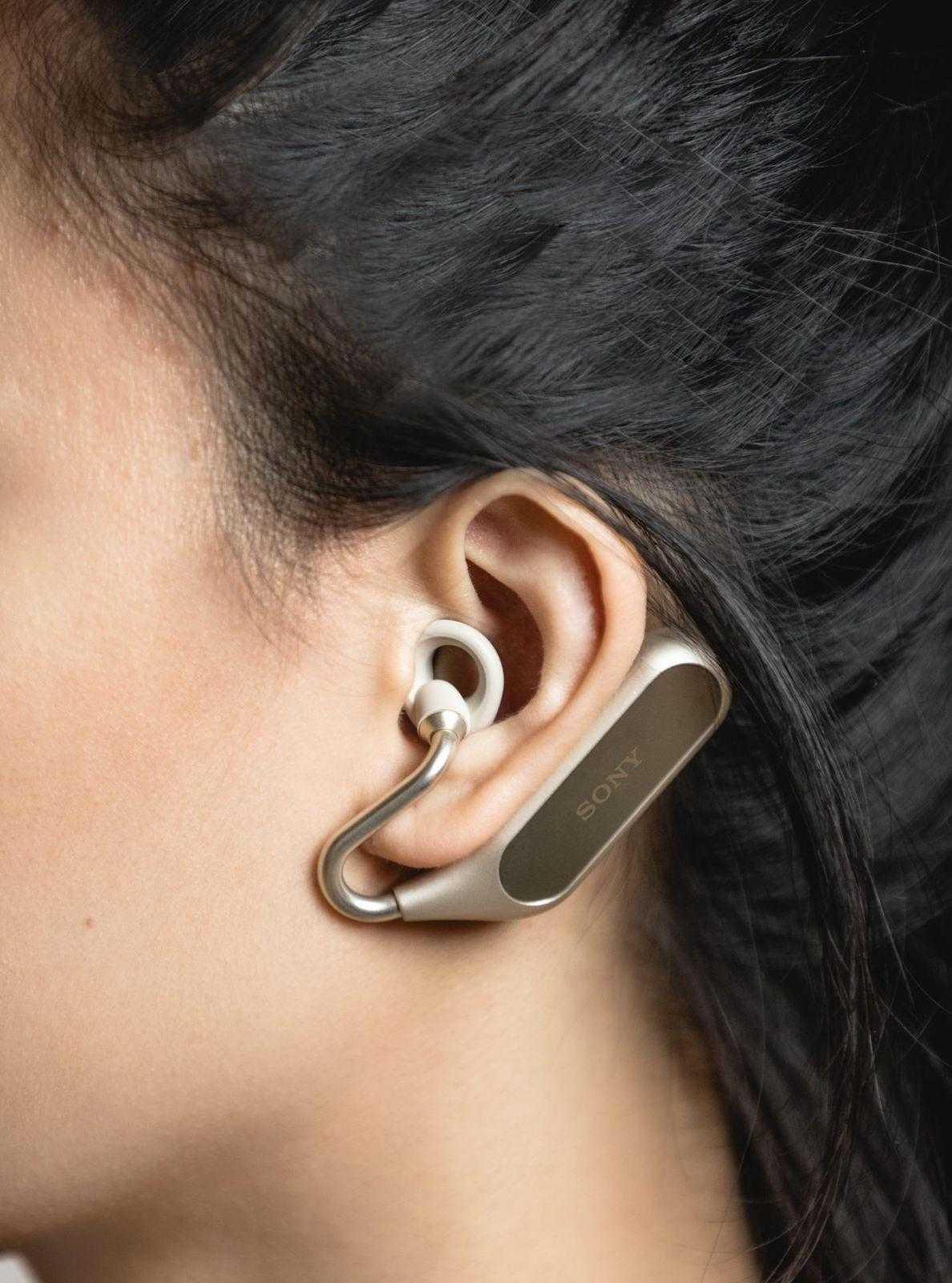 MWC 2018. Sony выпустила наушники Xperia Ear Duo (12)