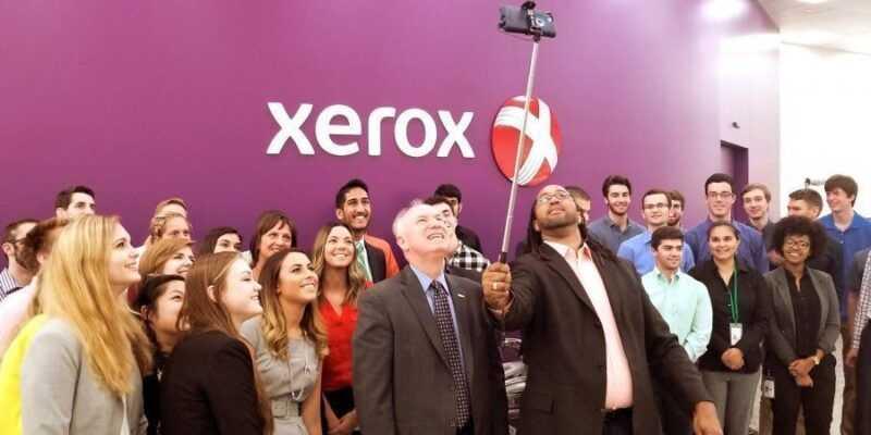 Fujifilm получит Xerox, но потеряет несколько тысяч сотрудников (Jacobson Interns Selfie1000x450)