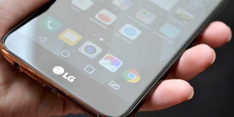 MWC 2018. LG представила смартфоны K10 2018 и K8 2018 (LG K10 2018 3)