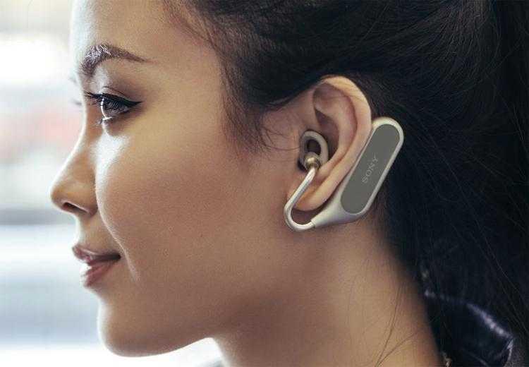 YaC 2018. Sony Xperia Ear Duo стали первым носимым устройством с ассистентом Алиса ()