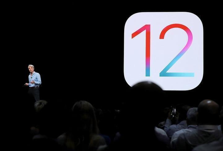WWDC 2018. Apple представила новую быструю iOS 12. Все изменения (craig federighi ios 12 wwdc 2018)