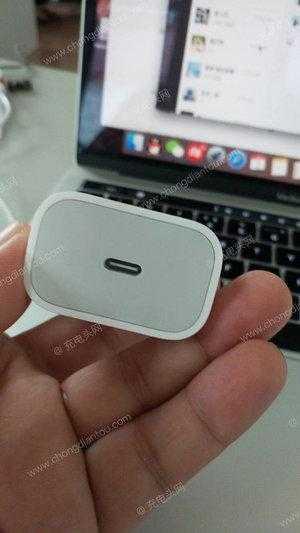 Слухи: Apple выпустит новую USB-зарядку для iPhone 2018 (apple 3a adapter)
