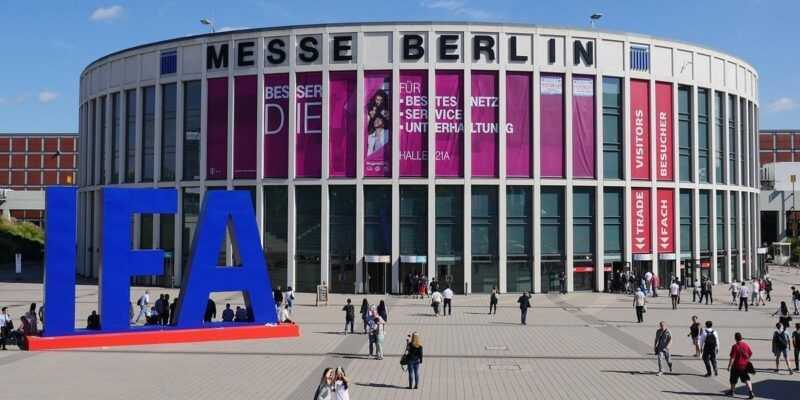 Прямая трансляция с IFA 2018 в Берлине (137744 phones news feature ifa 2018 what to expect from berlin s giant tech show image1 7ekym9nlkp)