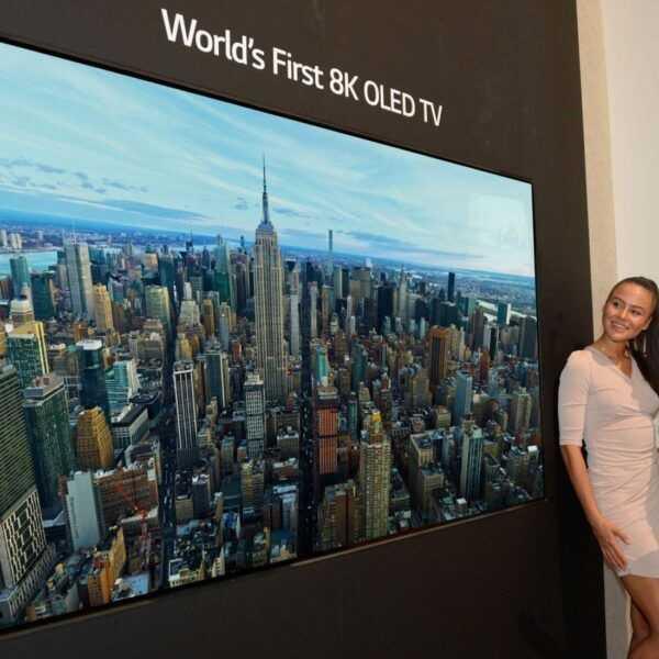 IFA 2018. LG показал свой первый 8K OLED телевизор (LGE 8K OLED TV 00)
