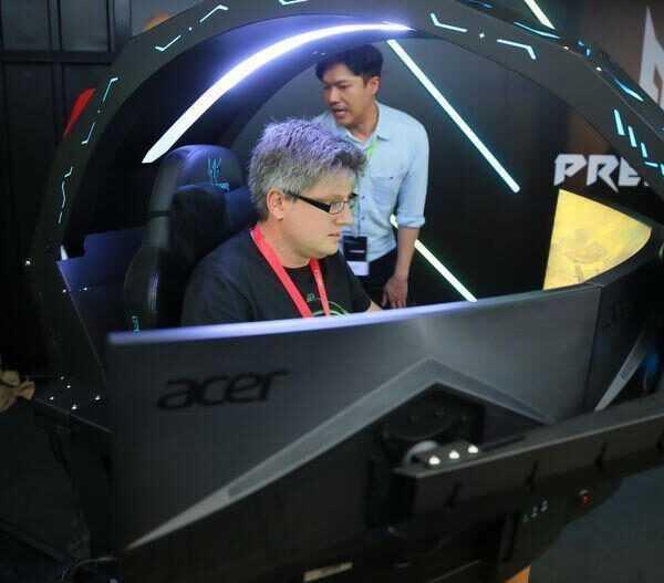 IFA 2018. Acer выпустил странное игровое кресло Predator Thronos (acer thronos ifa 2018 product photos 8)