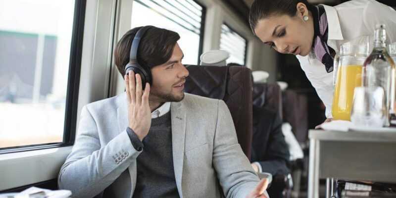 IFA 2018: Sony представила третье поколение наушников с флагманским шумоподавлением (xOvmKhicaeZn)
