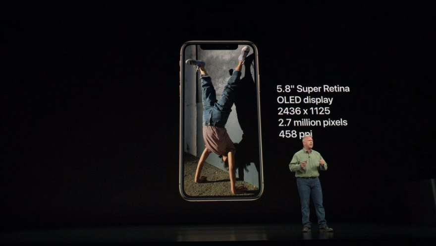 Apple представила самый мощный iPhone XS и XS Max (2018 09 13 00.41.58)