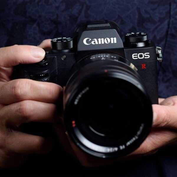 Canon выпустила беззеркальную полнокадровую камеру EOS R (canon eos r mockup)