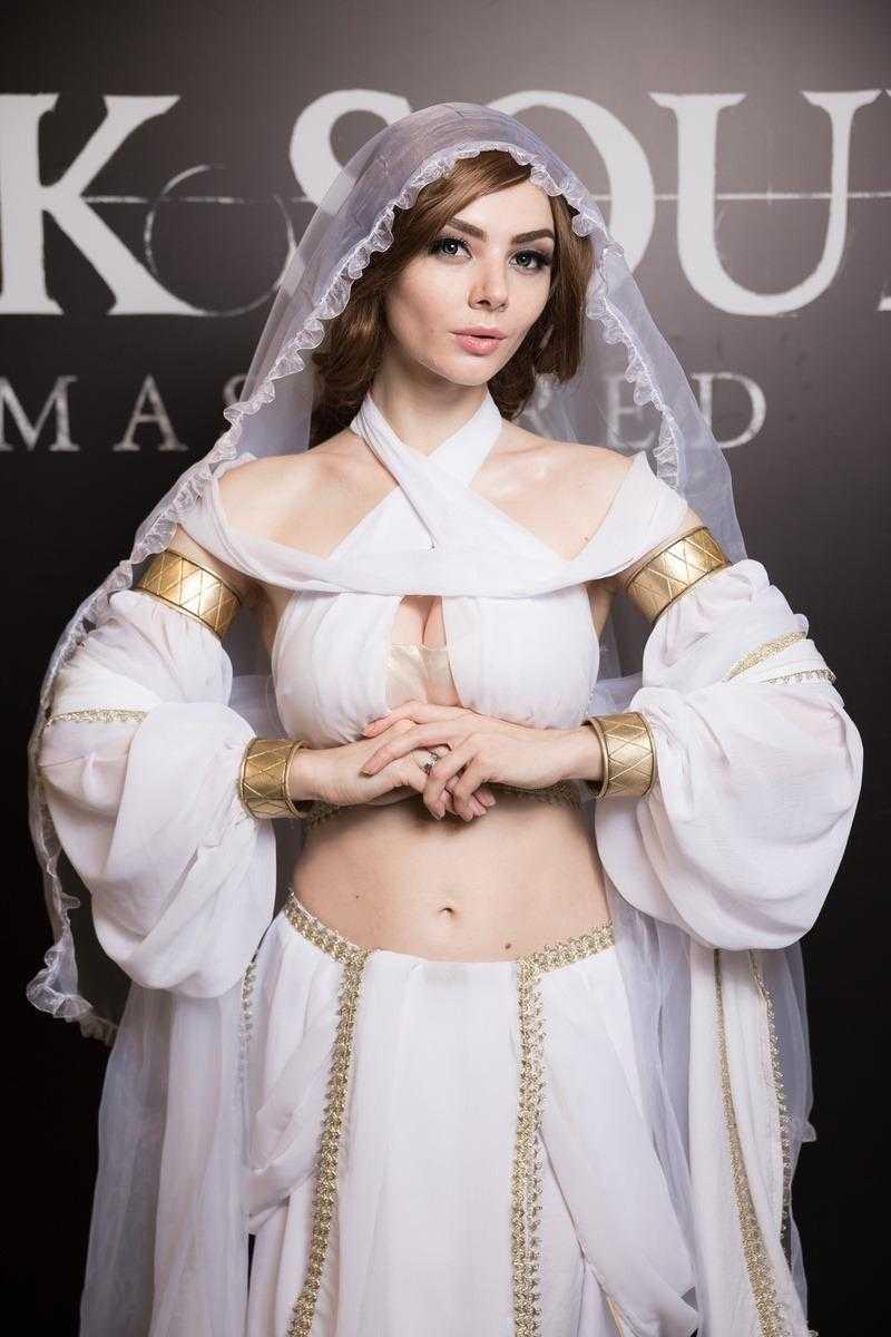 Самые красивые девушки ИгроМир 2018 и Comic Con. День 3 [18+] (igromir comic con devushka den 3 26)