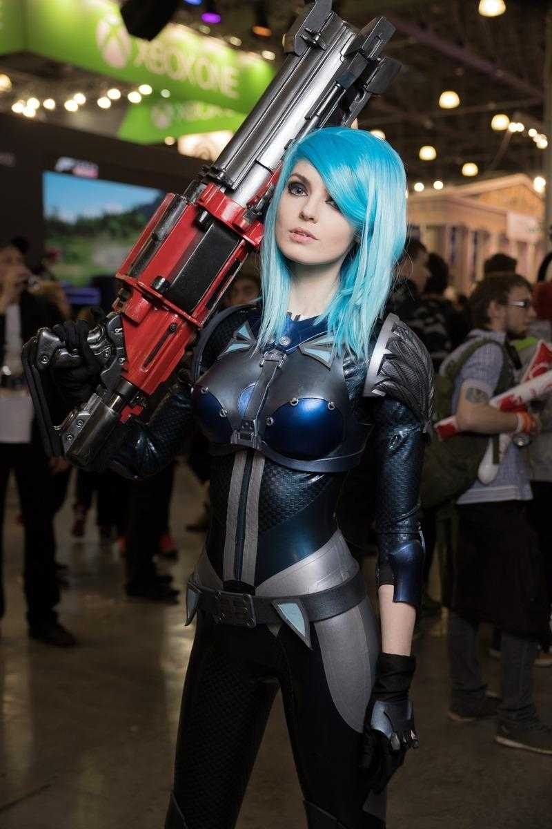 Самые красивые девушки ИгроМир 2018 и Comic Con. День 3 [18+] (igromir comic con devushka den 3 4)