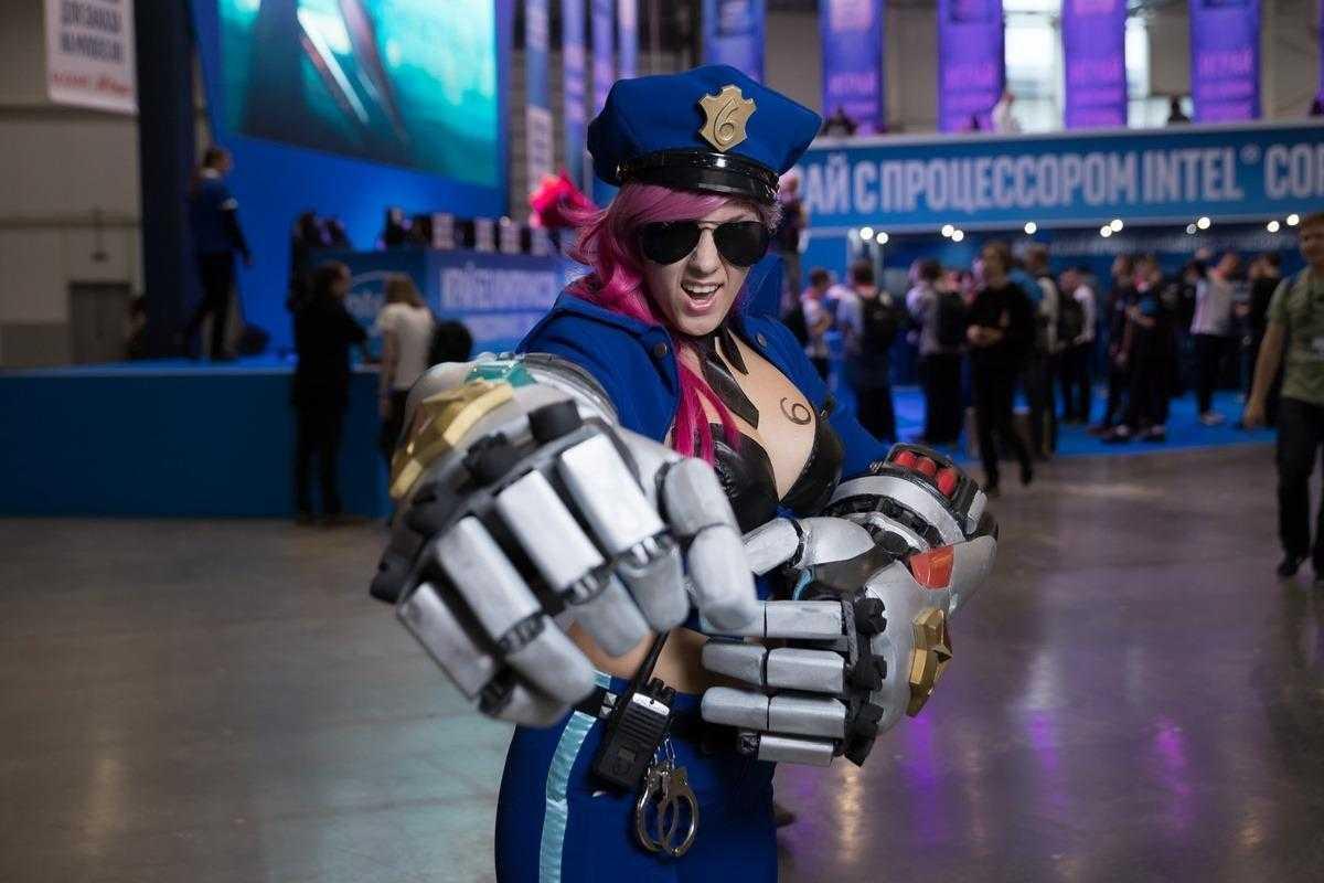18+ Самый необычный косплей на ИгроМир 2018 и Comic Con. День 1 (igromir comic con kosplej 13)