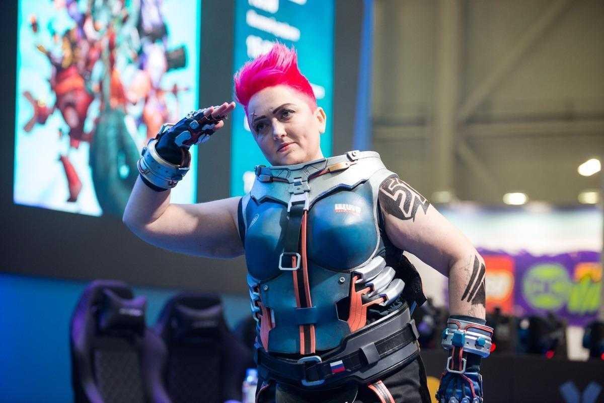 18+ Самый необычный косплей на ИгроМир 2018 и Comic Con. День 1 (igromir comic con kosplej 30)