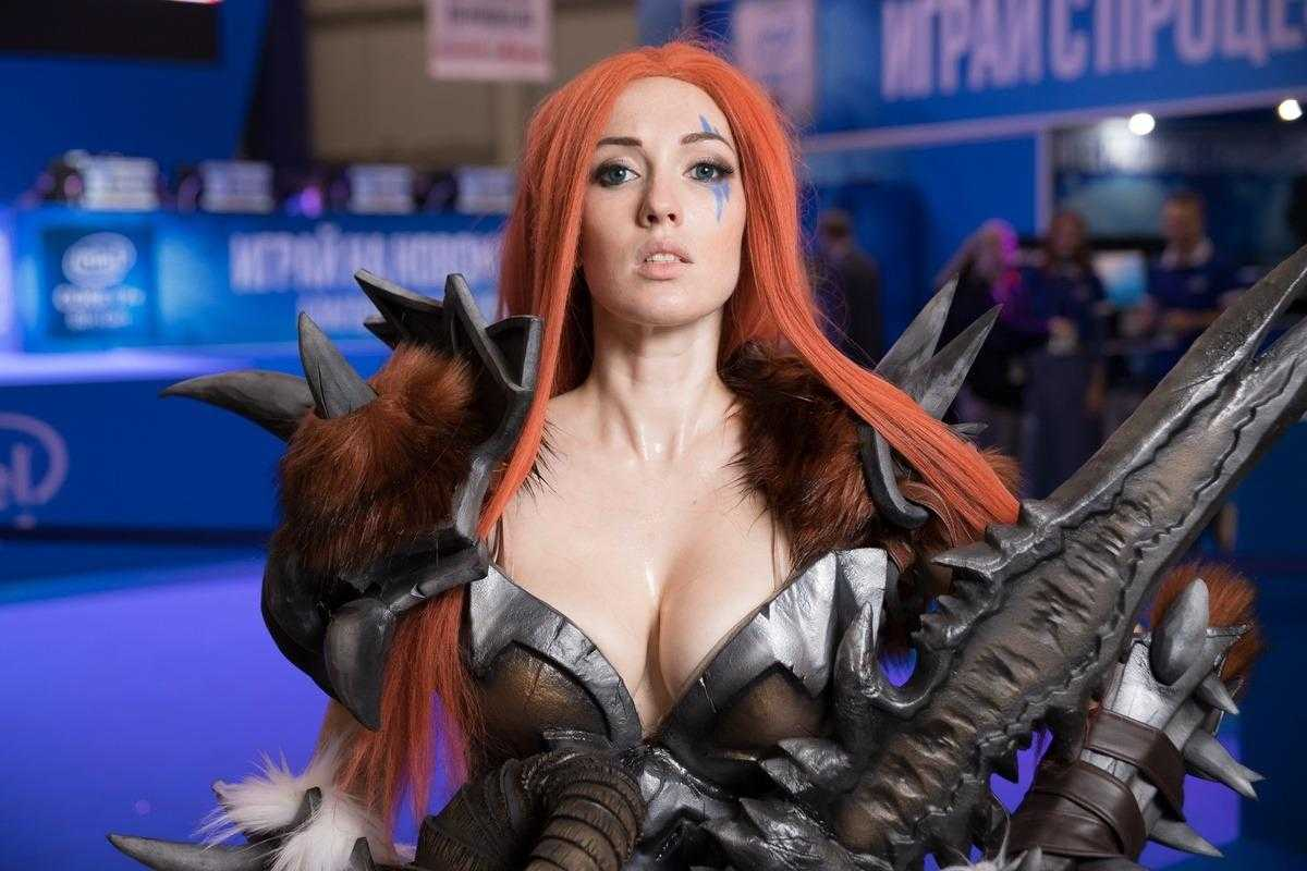 Самый необычный косплей на ИгроМир 2018 и Comic Con. День 3 [18+] (igromir comic con kosplej den 3 22)