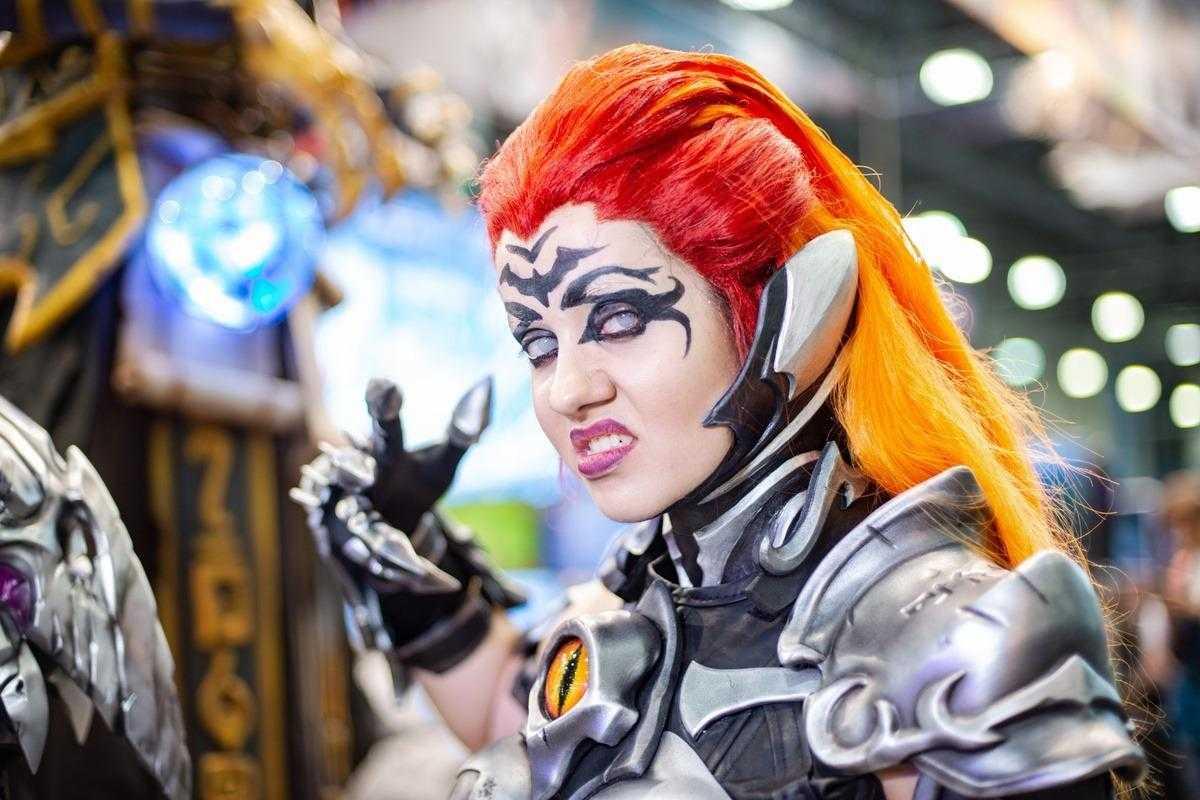 Самый необычный косплей на ИгроМир 2018 и Comic Con. День 3 [18+] (igromir comic con kosplej den 3 27)