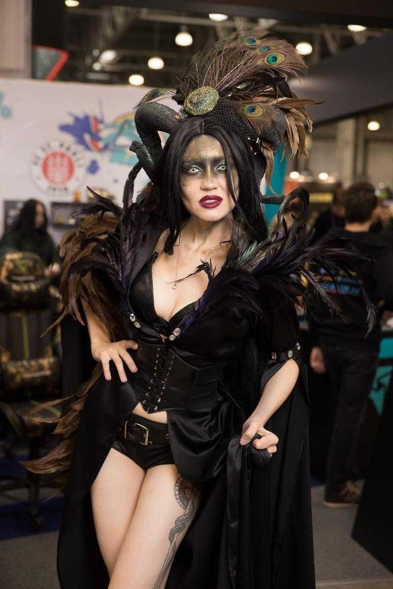 Самый необычный косплей на ИгроМир 2018 и Comic Con. День 3 [18+] (igromir comic con kosplej den 3 7)