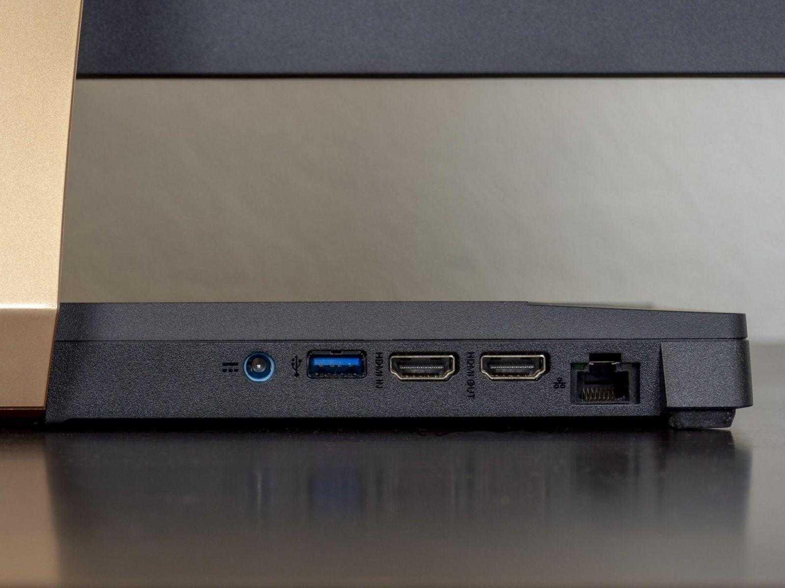 Порты сзади моноблока Acer Aspire S24-880