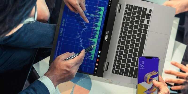 Asus выпустит 15-дюймовый хромбук (screen shot 2018 10 22 at 6.00.28 pm.png)