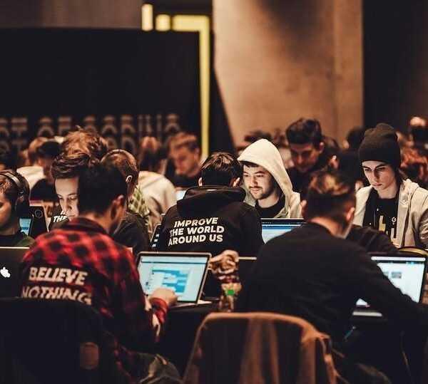 «ВКонтакте» подвела итоги ежегодного хакатона VK Hackathon (5k06a5nirv8)