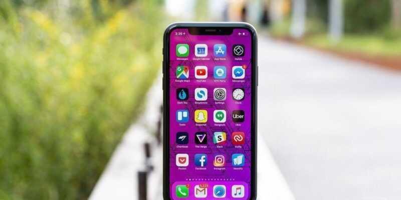 Apple возобновляет производство iPhone X из-за низких продаж XS (akrales 181019 3014 0770.0)