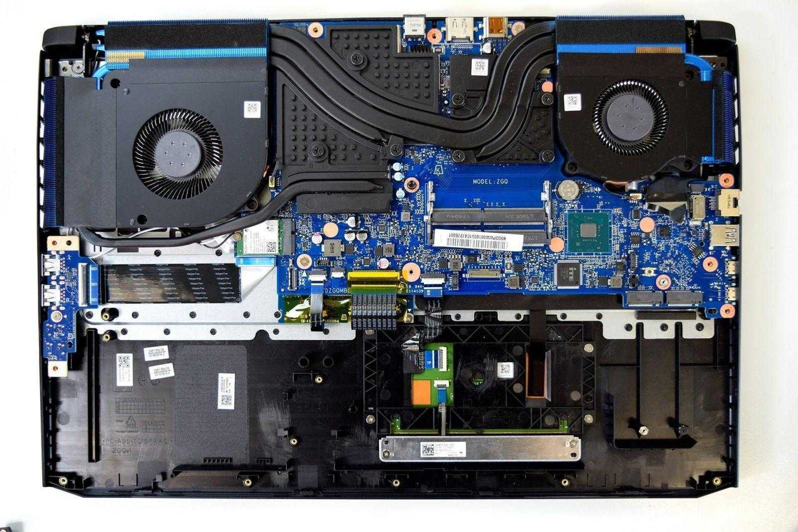Acer стартовала продажи игрового ноутбука Predator Helios 500 (inside 1)