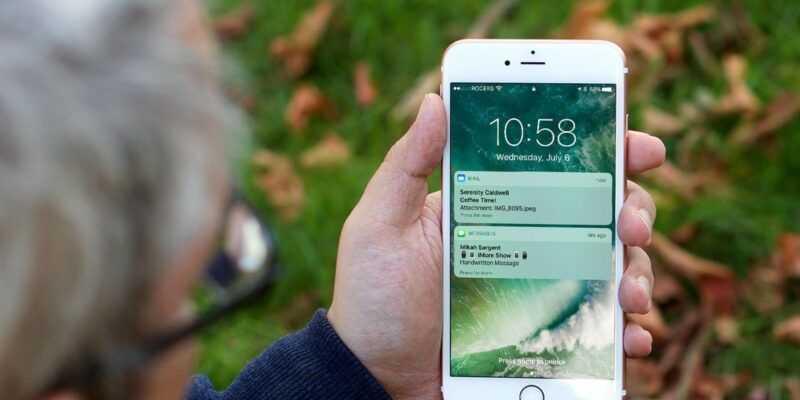 Уязвимость в iOS 12.1 предоставляет доступ к контактам (ios 10 lock screen hero)