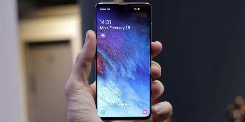 Нужно больше клиентов! Samsung раздает бонусы за предварительный заказ смартфона (9JPevj6DUWABb5GmJHEGj)
