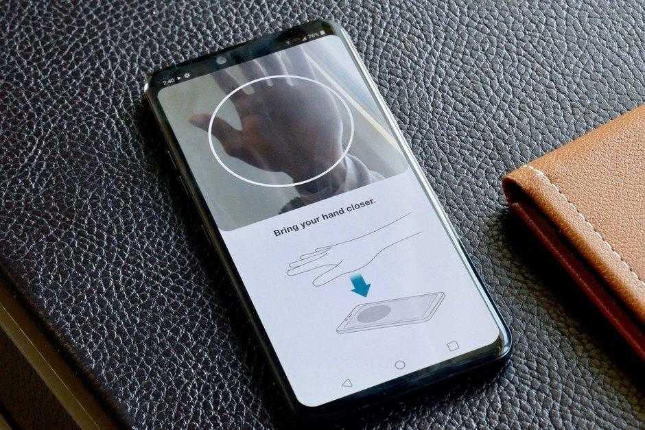 Самые интересные смартфоны на MWC 2019 (LG G8 Hands On 23)