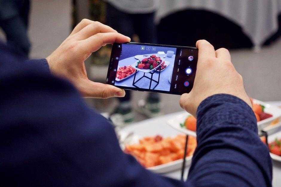 MWC 2019. LG представила свой 5G-смартфон LG V50 ThinQ (LG V50 ThinQ hands on 14)