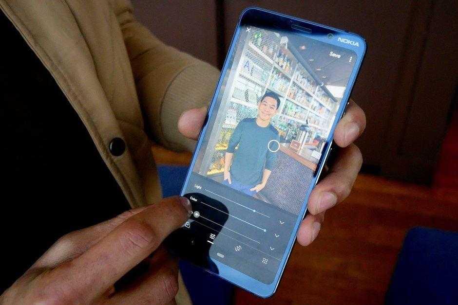 В России открыт предзаказ смартфона с 5-ю камерами Nokia 9 PureView (Nokia 9 PureView Hands On 9)