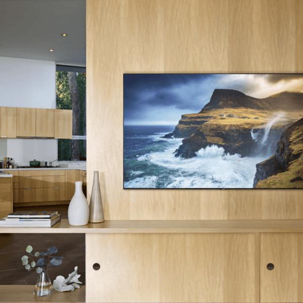 Samsung выпустила огромные QLED-телевизоры с поддержкой AirPlay 2 (QLED.0 1)