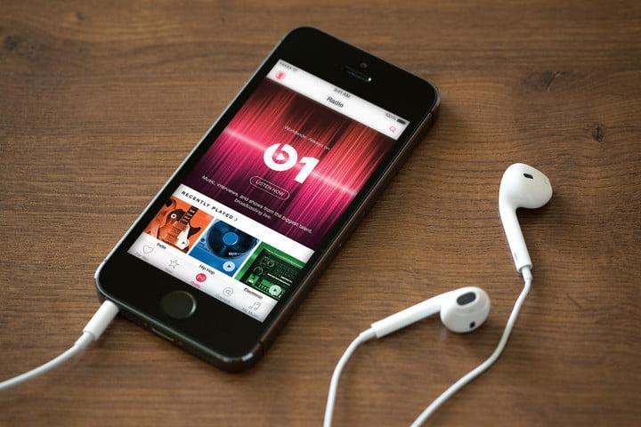 Apple Music даёт пользователям возможность подарить друзьям 1 месяц подписки бесплатно (apple music phone)