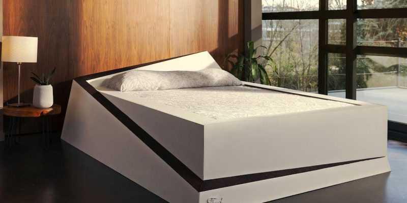 Ford сделал матрас, который возвращает партнёра на своё место (ford smart bed)
