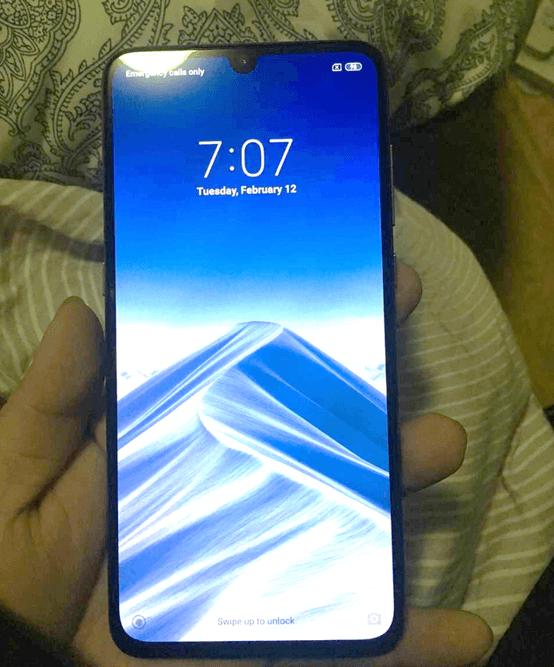 Утечка: живые фото Xiaomi Mi 9 (m9 a)