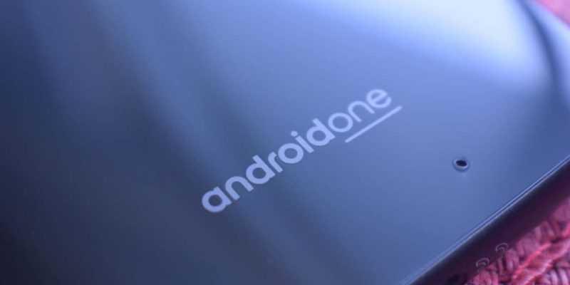 Продажи телефонов Android One выросли более чем на 250% в 2018 году, Android Go тоже пользуется спросом (moto x4 review am ah 0010)