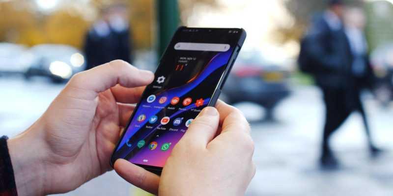 OnePlus не планирует разрабатывать сгибающийся смартфон (oneplus 6t top 10 tips and tricks)
