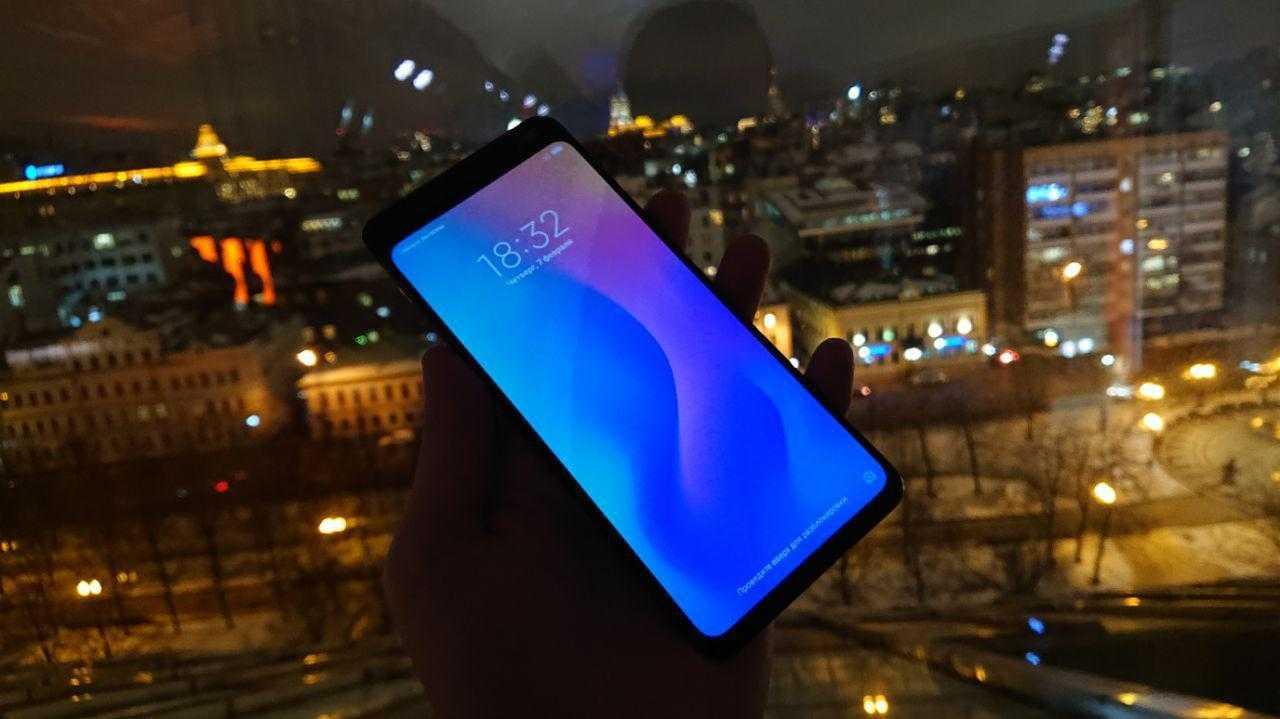 Xiaomi представил смартфон Mi Mix 3 в России (photo 2019 02 07 23 10 09)