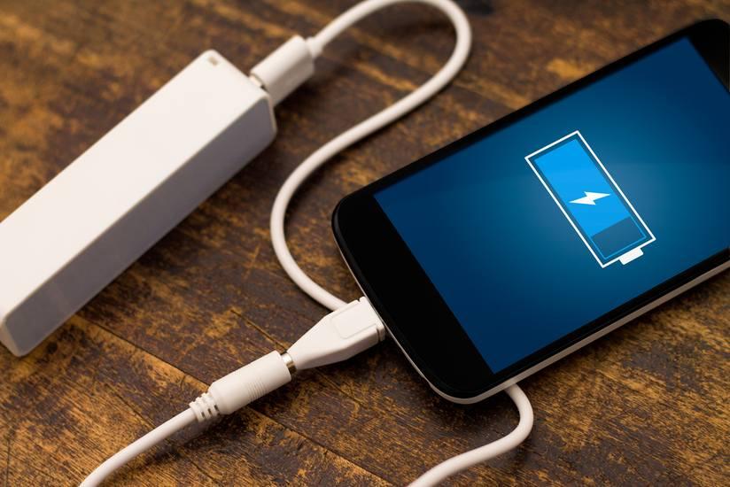 Xiaomi показала 100-ваттную зарядку. Она способна полностью зарядить смартфон за 17 минут (1483431431 charging phone)
