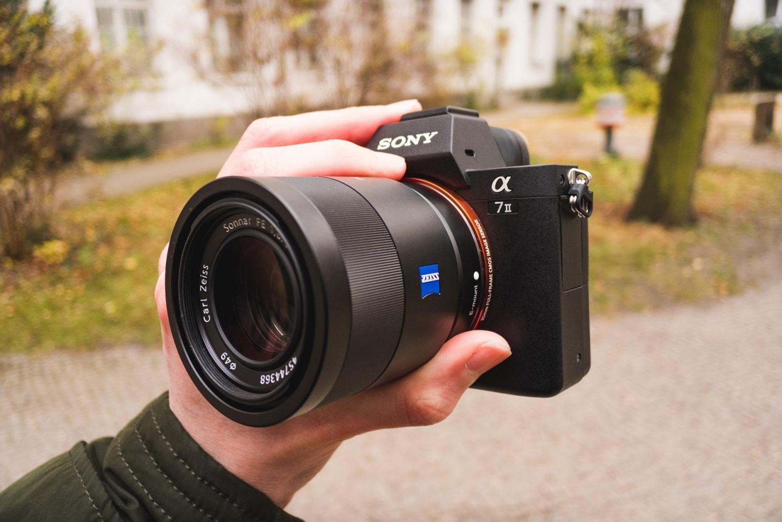 Sony обновила ПО для камер α9 и α7 множеством возможностей для съемки (a7 ii front)