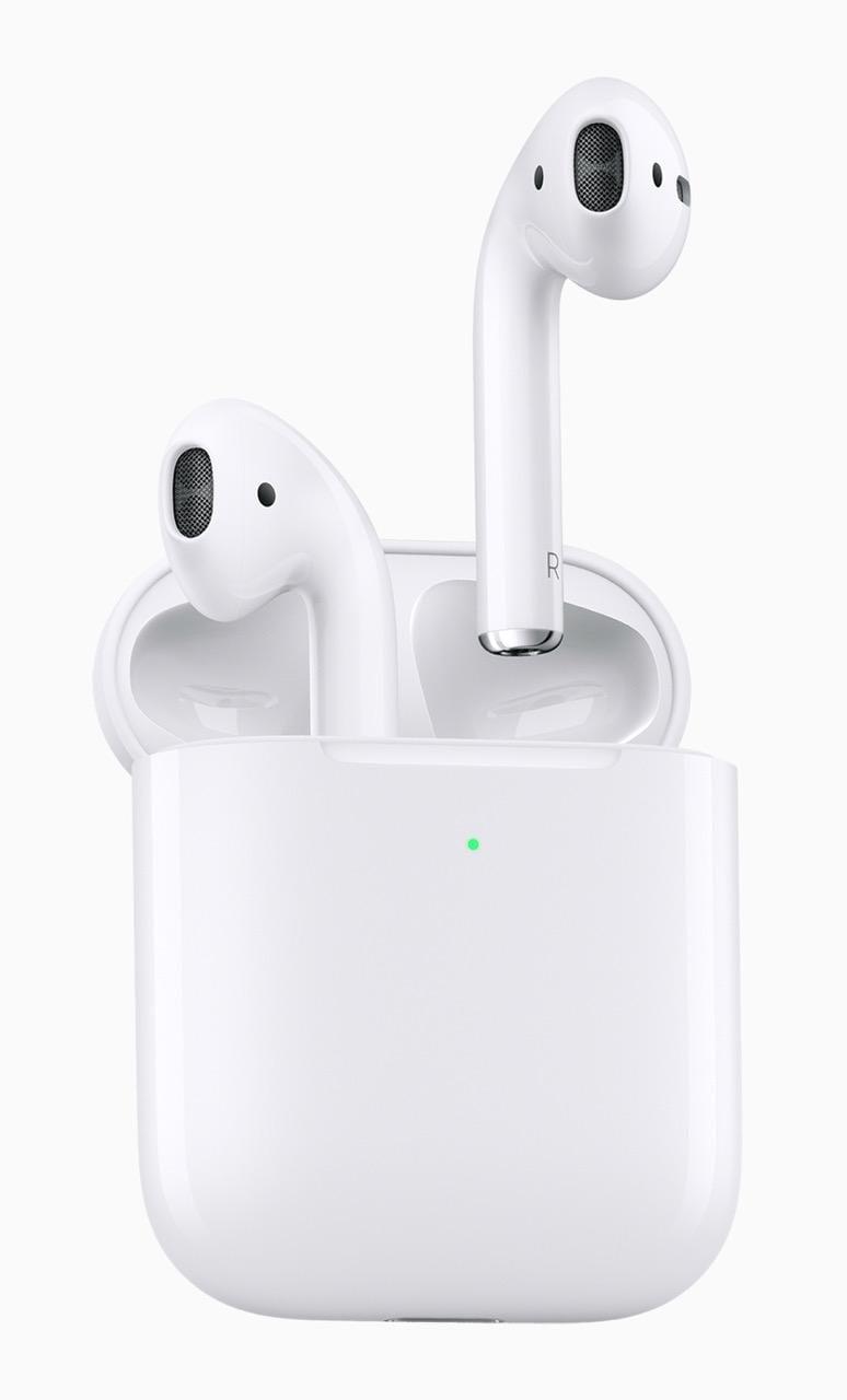 Молния: Apple выпустила новые наушники AirPods. Фото, характеристики и цена в России (apple airpods worlds most popular wireless headphones 03202019)