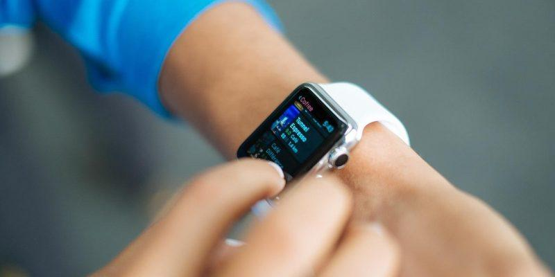 Apple может добавить индикаторы активности в ремешки Apple Watch (apple watch 1518529624)