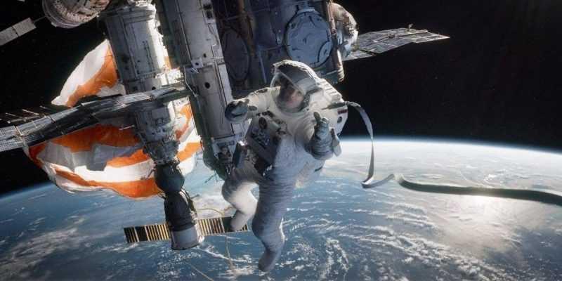 Первый выход женщин в открытый космос состоится 29 марта (filmz.ru f 169231)