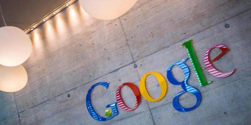 Патент Google демонстрирует устройство с гибким экраном (google hq sign headquarters logo name 3)